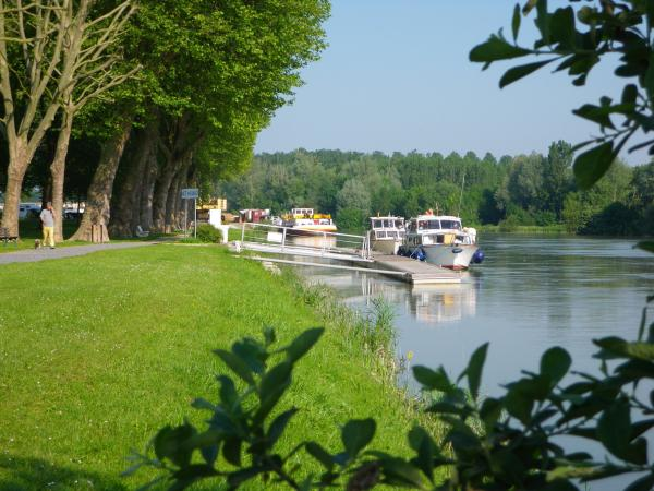 Halte fluviale de Bray-sur-Seine, proche de Provins